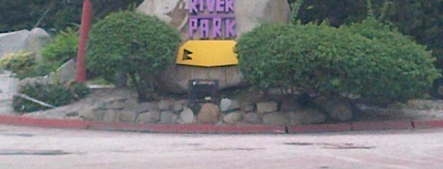 River Park is one of Club de Lectores - El Universo.