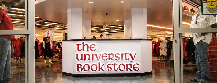 The University Book Store is one of Posti che sono piaciuti a Kristen.