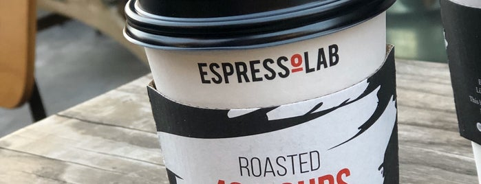 EspressoLab is one of Berna'nın Beğendiği Mekanlar.