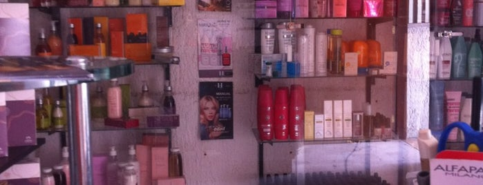 Yesica Hiran Salon is one of Lugares favoritos de Cristina.
