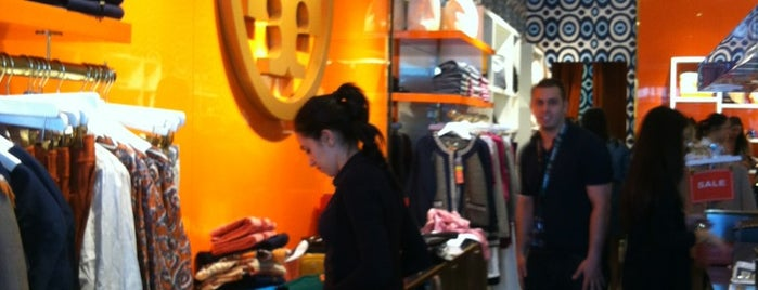 Tory Burch - Outlet is one of Lieux qui ont plu à Patty.