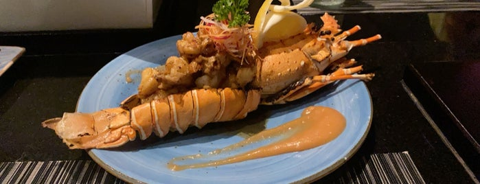 Teppanyaki Restaurant is one of Tempat yang Disukai Lu.