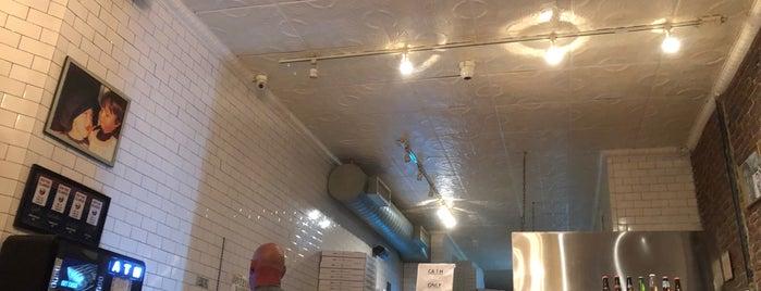 Artichoke Basille's Pizza is one of Holiday 님이 좋아한 장소.