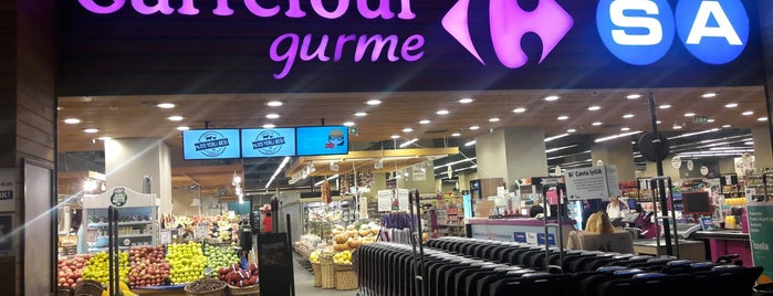CarrefourSA Gurme is one of Locais curtidos por Selim.