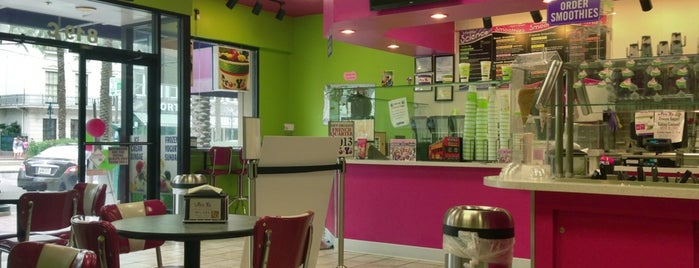 FroYos Frozen Yogurt Smoothies Is One Of The 9 Best Places For Birthday Cakes In