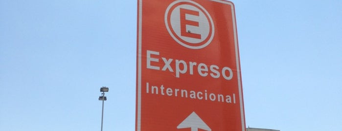 Estacionamiento Expreso SCL is one of Tempat yang Disukai Luis.