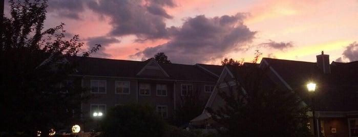 Residence Inn Boston Foxborough is one of Locais curtidos por Lindsaye.