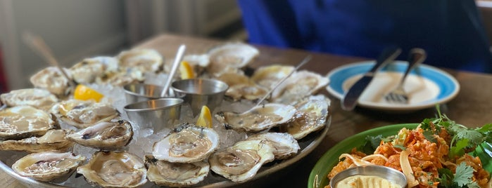 The Darling Oyster Bar is one of Orte, die Trae gefallen.