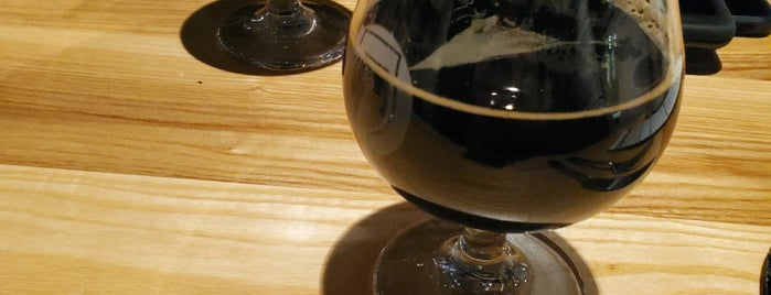 Good City Brewing | Downtown is one of Chicago area breweries.