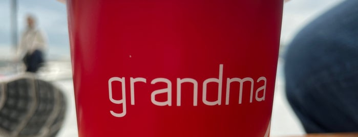 Grandpa Coffee & Eatery is one of Istanbul..