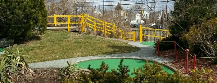 Spring Rock Golf Center is one of Jumperz.