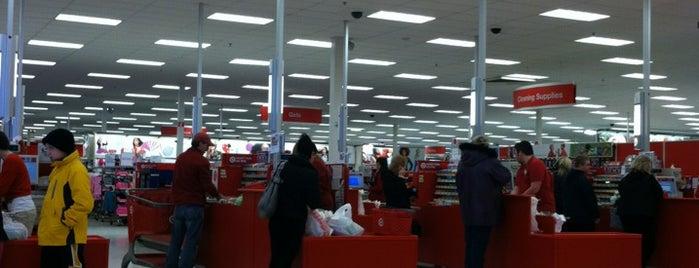 Target is one of Tempat yang Disukai Erin Elizabeth.