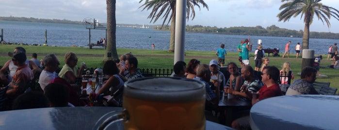 Beach House Restaurant & Bar is one of Lugares favoritos de Victor.