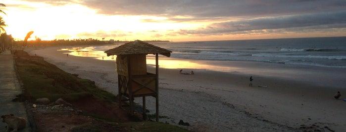 Praia de Jaguaribe is one of Tempat yang Disukai Victor.