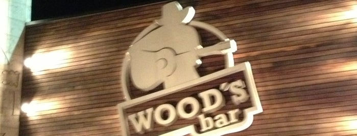 Wood's Bar is one of Meus lugares.