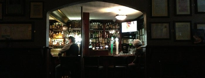 Garavan's Bar is one of Irlanda.