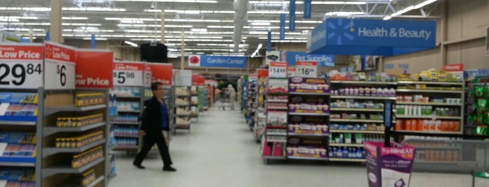 Walmart Supercenter is one of Orte, die Jéfer gefallen.