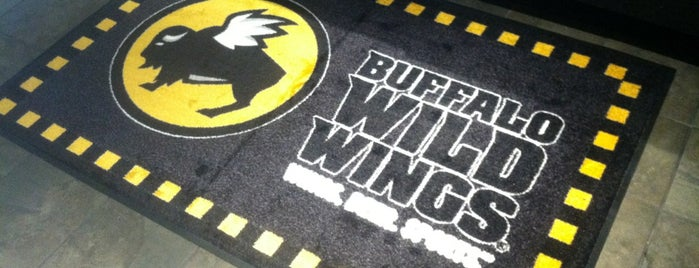 Buffalo Wild Wings is one of Tempat yang Disukai Aslan.