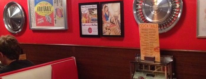 Bernie's Diner is one of Hamburguesas BCN 🍔.