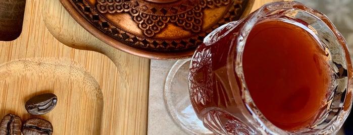 Macaron Çikolata&Kahfe is one of Orte, die Han gefallen.