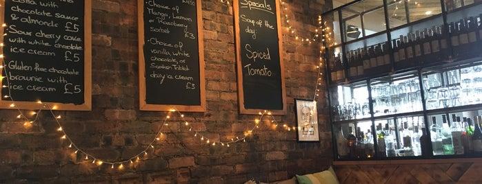 Makars Gourmet Mash Bar is one of Tempat yang Disukai Chris.