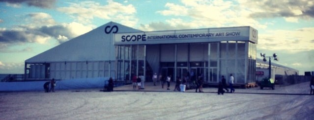 SCOPE Miami Beach is one of Lieux qui ont plu à David.