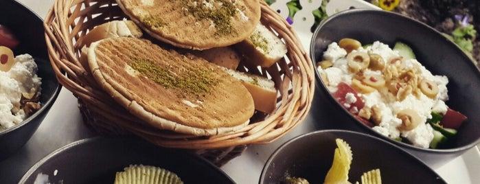 Leon's Cafe Restaurant is one of Dene Ankara.