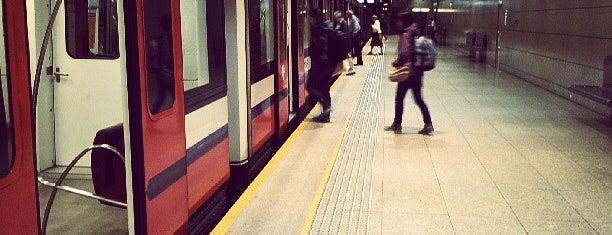Metro Młociny is one of tredozio.