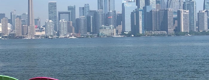 Toronto Islands is one of Tempat yang Disukai Yvette.