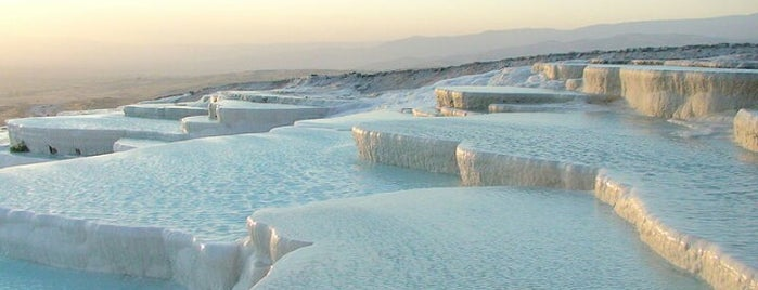 Pamukkale Travertenleri is one of Posti salvati di Yasemin Arzu.