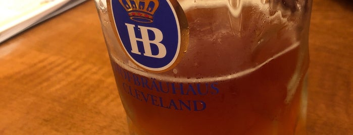 Hofbräuhaus Cleveland is one of Lugares favoritos de Jen.