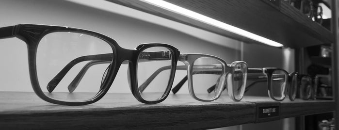Warby Parker is one of Andrew 님이 좋아한 장소.