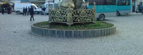Haşimiye Meydanı is one of Gizemliさんの保存済みスポット.