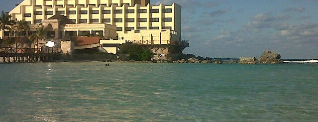 Playa Mia Reef Isla Mujeres is one of Carlさんのお気に入りスポット.