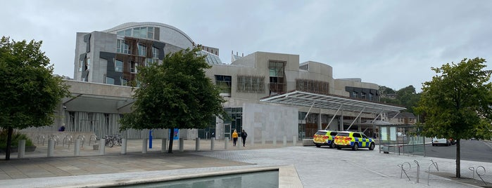 Scottish Parliament is one of Posti che sono piaciuti a Carl.