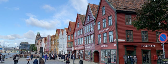 Bryggen is one of Берген.