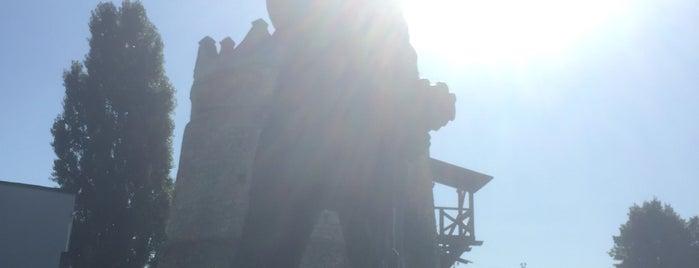 Летичівський замок is one of Андрей 님이 좋아한 장소.