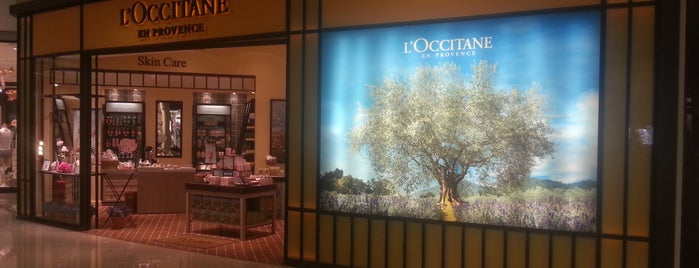 L'Occitane en Provence is one of Luisさんのお気に入りスポット.