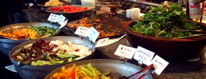 春秋ユラリ is one of Tokyo Casual Dining.