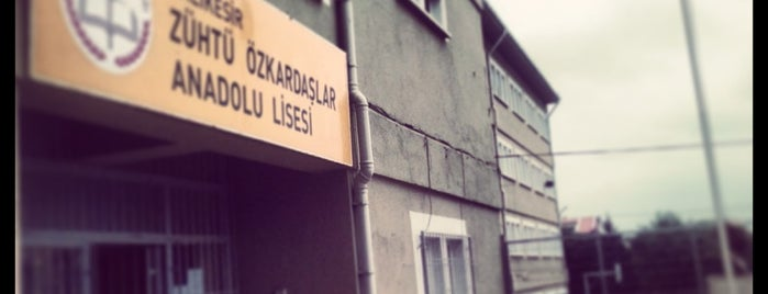 Zühtü Özkardaşlar Anadolu Lisesi is one of Berkan : понравившиеся места.