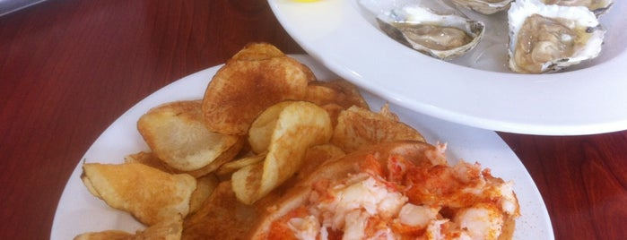 New England Seafood Company is one of Lugares favoritos de Myra.