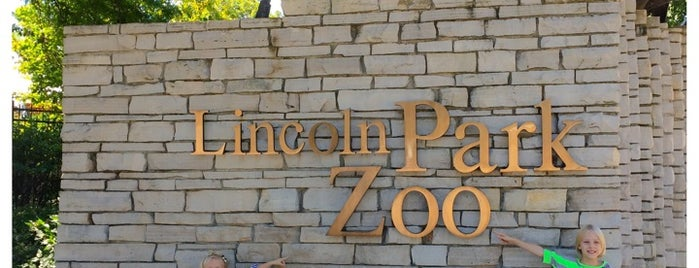 Lincoln Park Zoo is one of Bikabout Chicago.