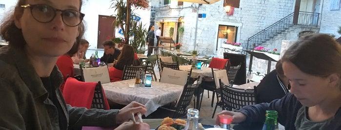 Adriatic Sushi & Oyster Bar is one of Tempat yang Disukai Michael.