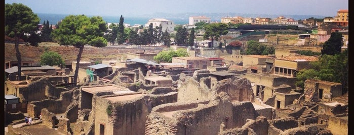 Herculaneum is one of Napoli.