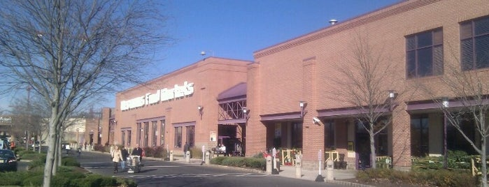 Wegmans is one of Locais curtidos por Mike.
