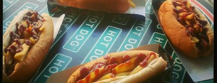 Street Food Hot Dog is one of Hale'nin Kaydettiği Mekanlar.
