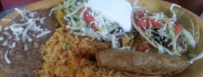 Fajitas Mexican is one of Locais salvos de Brooke.