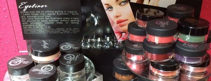 Skull Sugar Cosmetics® is one of Jamie'nin Beğendiği Mekanlar.