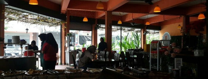 Restoran Chara Kampung is one of Makan2.