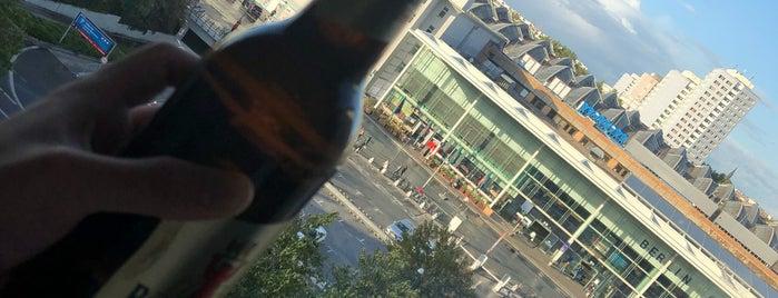 Schulz Hotel Berlin Wall is one of Richard : понравившиеся места.